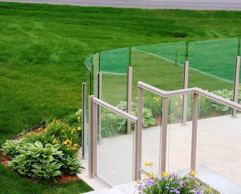Standard and Topless Glass Pool Surround Fence
