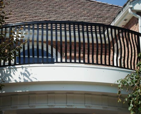 Custom Curved Picket Railing