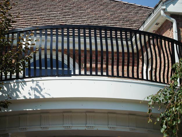 Excell Custom Picket Railing Design