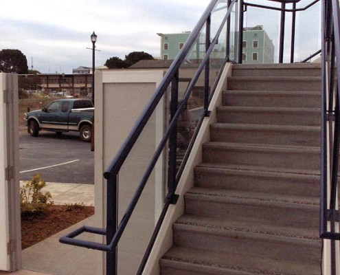 Round Glass Handrail and Stairs