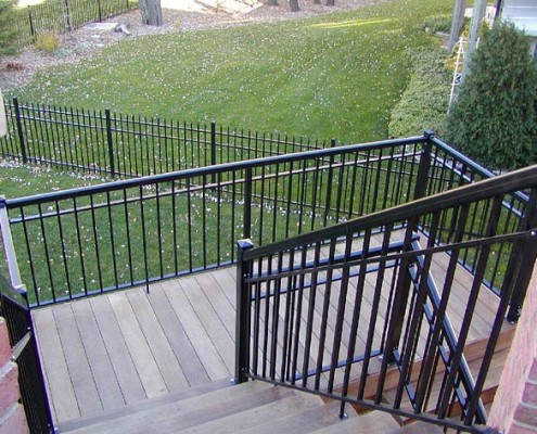 Standard Welded Picket with Round Top Rail